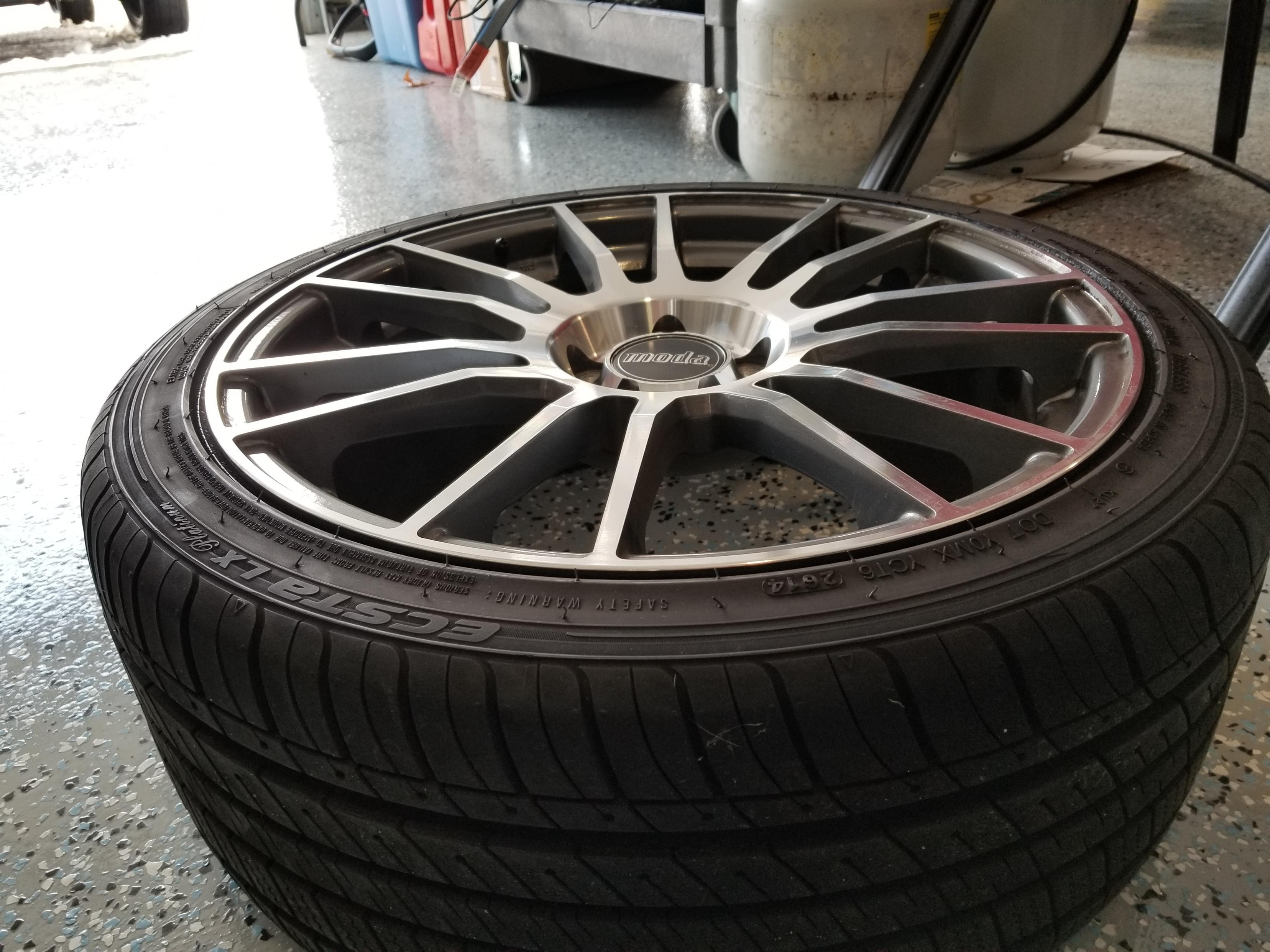 Moda MD20 18x8 with Kumo tires (like new).-20190213_135214-jpg