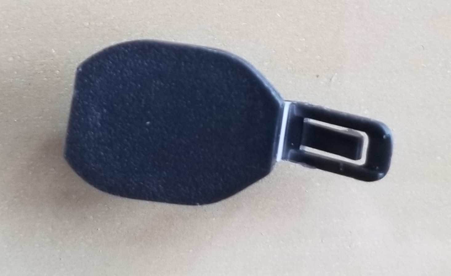 Plastic clip? found behind driver seat on floor .. what is this?-20190416_144449-jpg