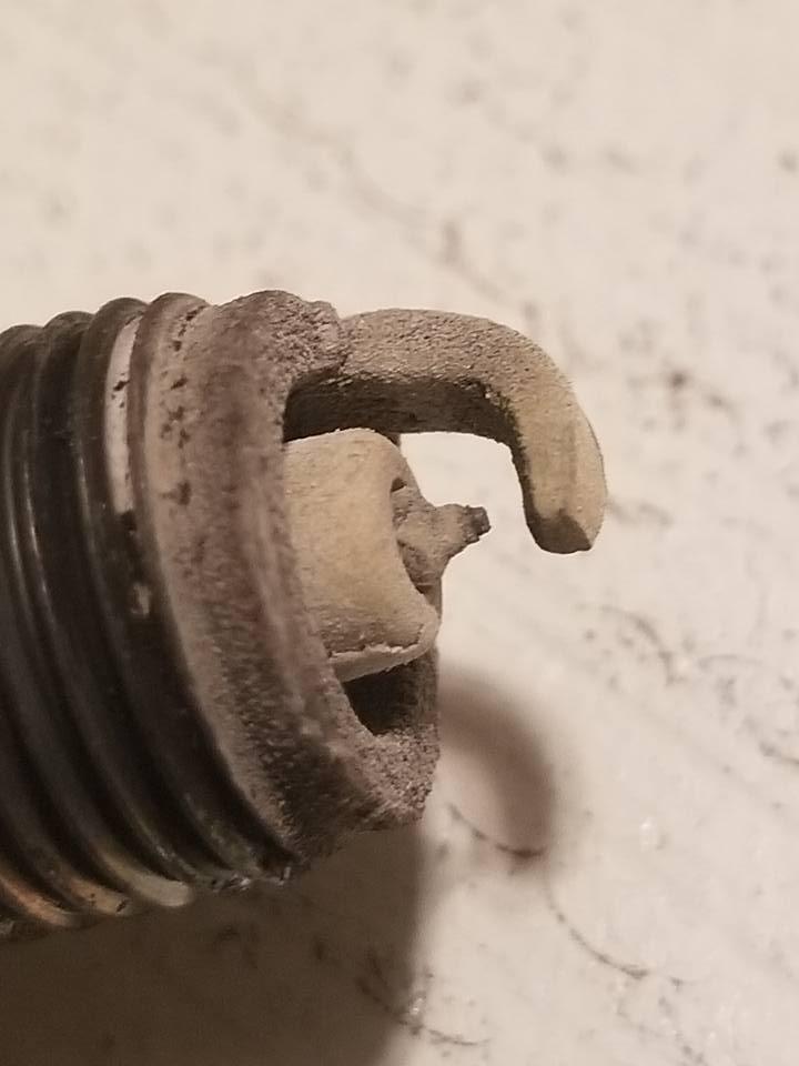 WOT stutter / hesitation / missing-cylinder-4-plug-close-jpg