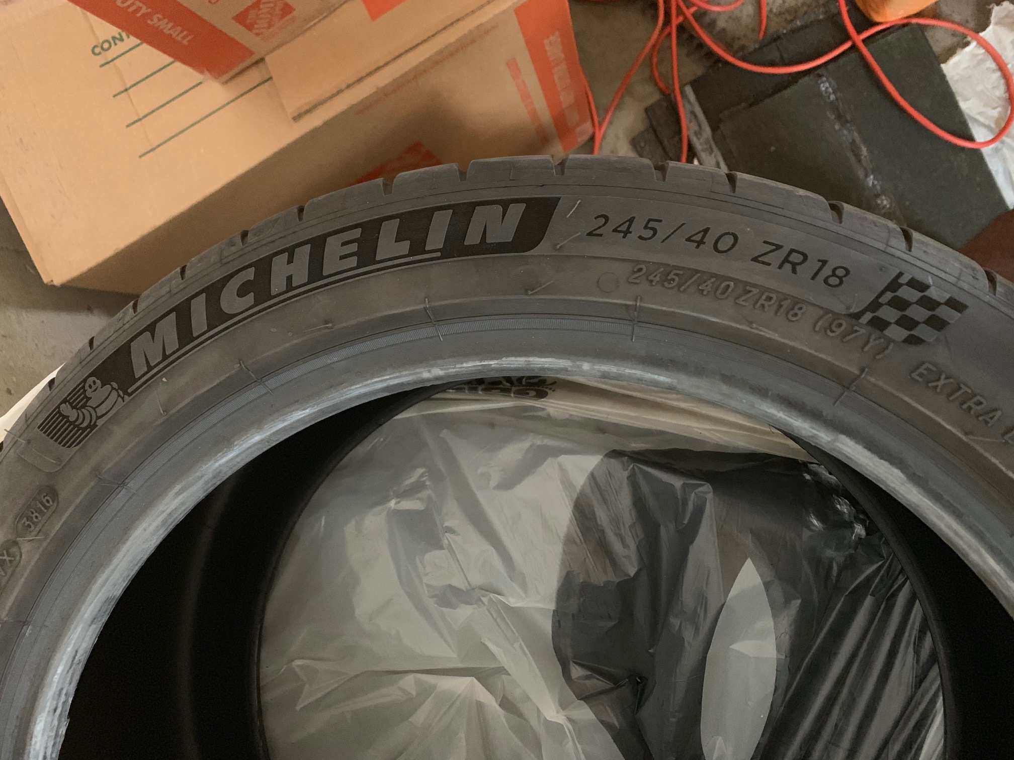 "Michelin Pilot Sport 4S - 0 - 245/40 ZR18 (OEM 18"")-img_7318-jpg"