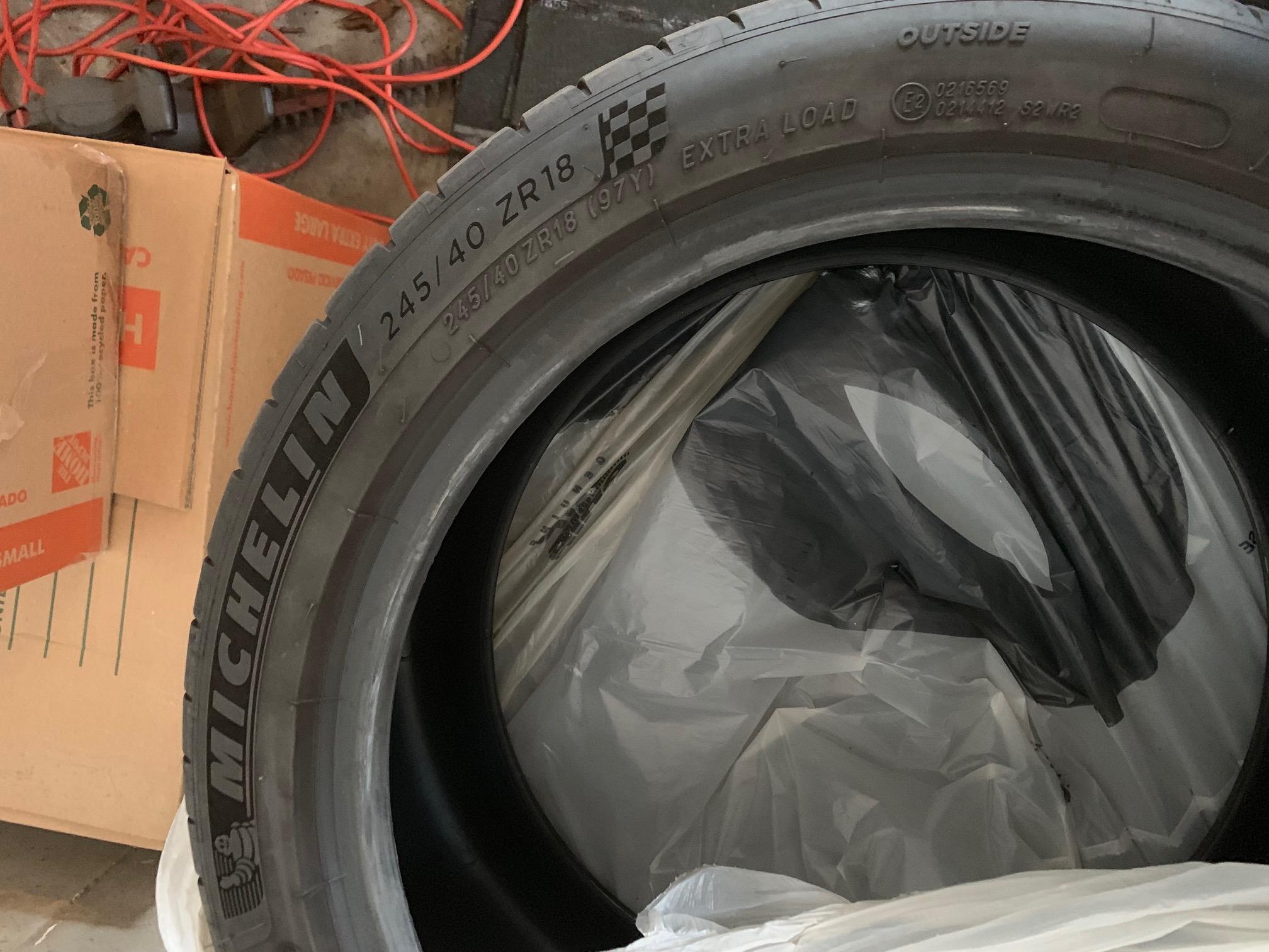 "Michelin Pilot Sport 4S - 0 - 245/40 ZR18 (OEM 18"")-img_7319-jpg"