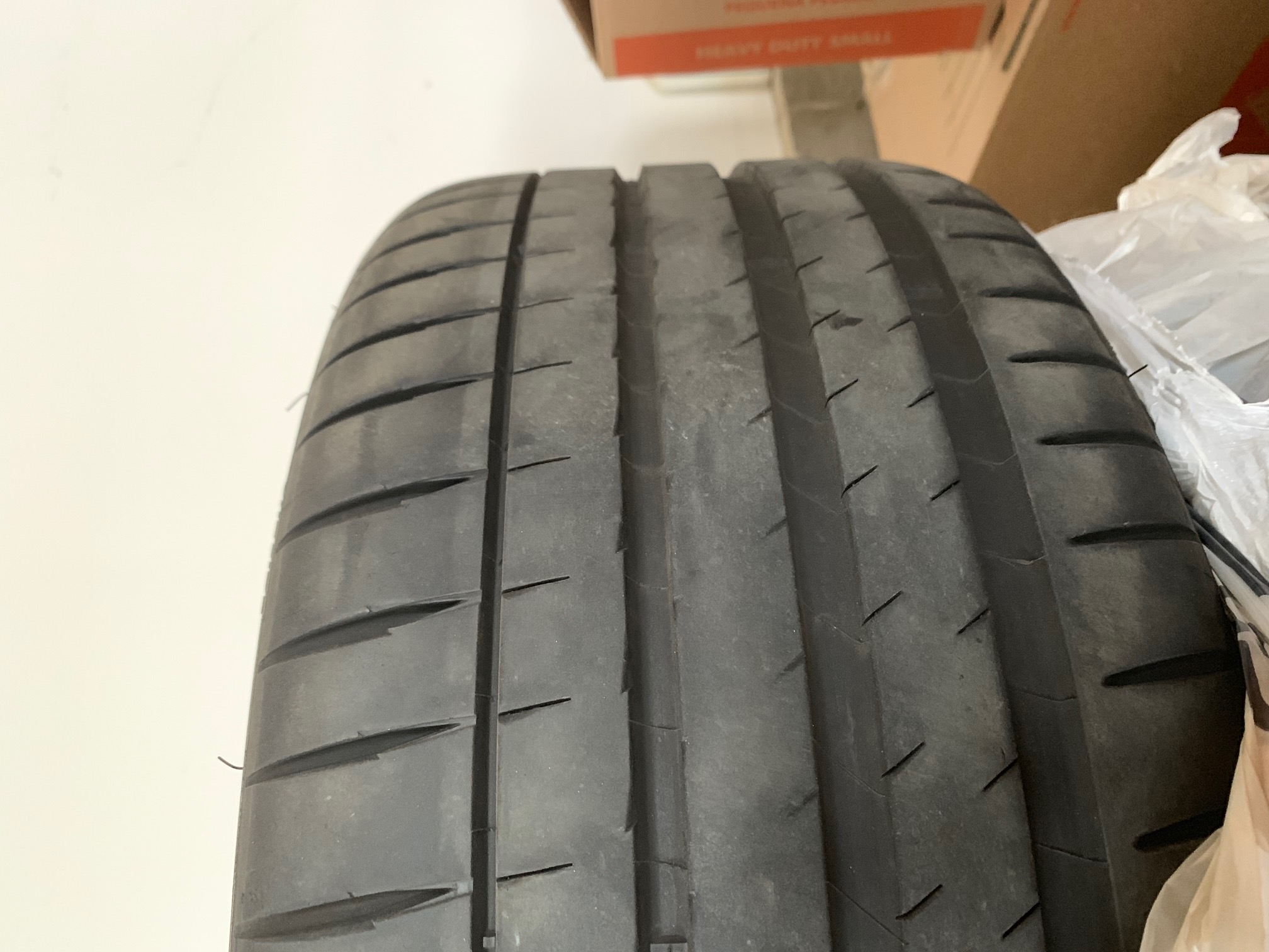 "Michelin Pilot Sport 4S - 0 - 245/40 ZR18 (OEM 18"")-img_7320-jpg"